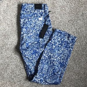 JEN 7 for all mankind cropped floral blue pants